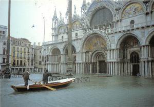 B84562 venezia eccezionale alta marea in piazza s marco  italy