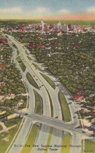 DALLAS , Texas , 30-50s ; New Expressway