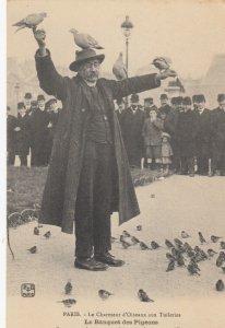 PARIS , France, 1900-10s ; Le Charmeur d'Oiseaux aux Tuileries