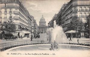 France Paris (V) - La Rue Soufflot et le Pantheon, fontaine