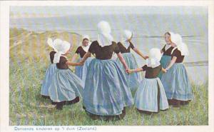 Netherlands Zeeland Dansende Kinderen op 't duin