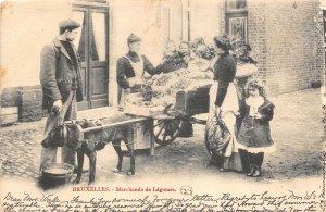 br104995 bruxelles marchande de legumes  belgium vegetables sellers