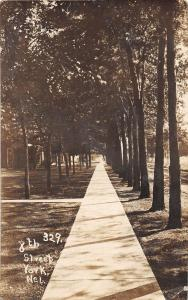 B18/ York Nebraska Ne Real Photo RPPC Postcard c1910 8th Street Sidewalk Homes