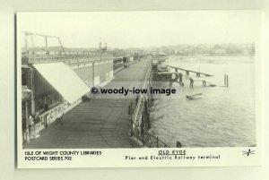 pp0321 - Isle of Wight  , Ryde Pier showing Tramway - Pamlin postcard