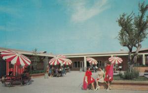 ALTA LOMA, California, 40-60s; Chaffey College, Student Center Patio