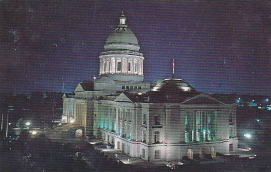 Arkansas The Night Scene Of The Capitol Of the Capitol Empphasizes The Beautl...