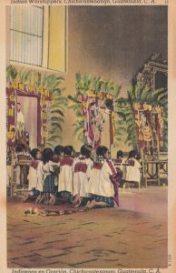 Chichicastenango , Guatemala , 1948 ; Indian worshippers