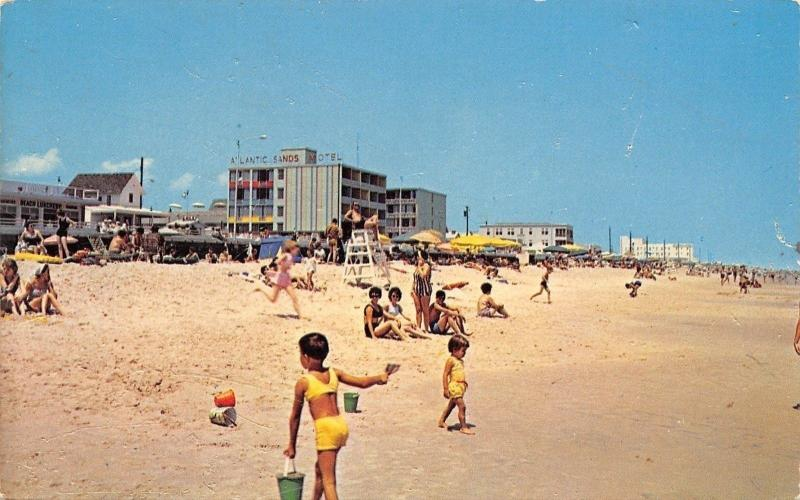 Rehoboth Beach Delaware~Kids & Sand Pails~Life Guard~Atlantic Sands Hotel~1950s