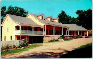 North Conway, New Hampshire Postcard THE EDGEWOOD INN Motel Roadside c1950s
