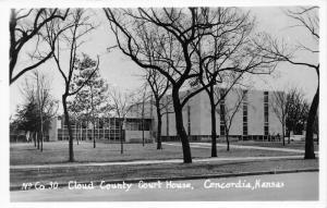 Concordia Kansas~Cloud County Court House~Men Walking toward Cars~50s RPPC