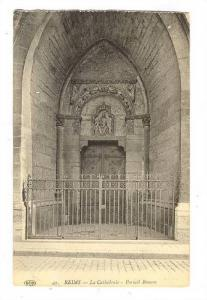 Reims, Champagne-Ardenne, France,10-20s ; La Cathedrale , Portail Roman