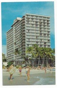 WAIKIKI, Oahu, Hawaii, 1940-60s; Outrigger Hotel, Beachgoers