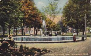 Scenic view, Fountain, Bronson Park, Kalamazoo, Michigan, PU-1913