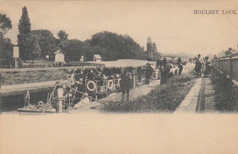 MOULSEY LOCK , England , 00-10; TUCK 528 VI