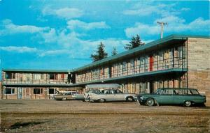 Wawa Ontario~Sportsman's Motel~NICE 1950-60s Cars With Fins~Close Up