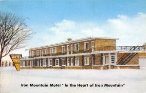 Iron Mountain Michigan~Iron Mountain Motel in Snow~Commercial Men~1959 Postcard