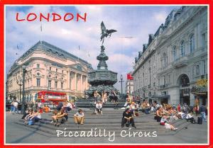 London Piccadilly Circus animated scene, bus, monument