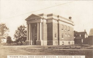 RP: EMERSON , Manitoba , 00-10s ; Town Hall & Court House