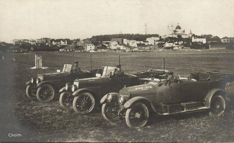 russia, CHOLM Холм, Novgorod, German Military Cars of Park Officers (1917) RPPC