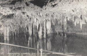 RP: RT 66 ; Stanton , Missouri , 1930-40s ; Meramec Caverns , Submarine Gardens
