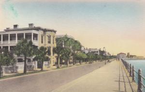 CHARLESTON, South Carolina; 20-30s; East Battery