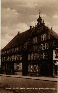 CPA AK Hameln- Museum m. Stifts Herrenhaus GERMANY (1003555)