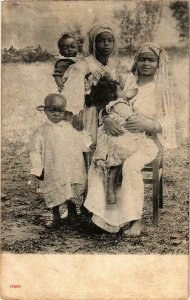 CPA AK Ladies with Babies and Children - Folklore MAROC (963842)
