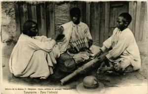 CPA TANANARIVE Dans l'intimite MADAGASCAR (709633)