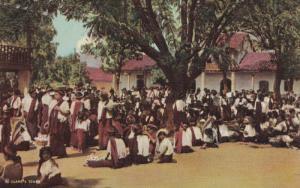 GUATEMALA, 20-40s : Market Scene #2 , Santiago Atitlan