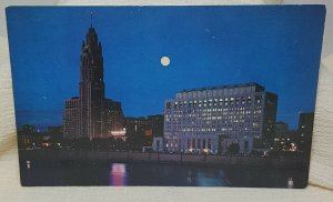 Ohio State Office Building Le Veque-Lincoln Tower Columbus Vintage Postcard