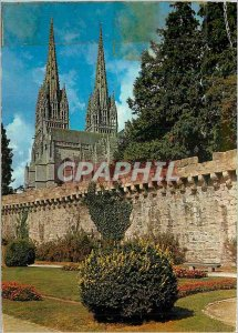 Modern Postcard Quimper (Finistere South) cathedral view of the boulevard