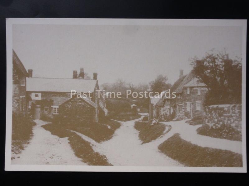 Northamptonshire: Moreton Pinkney (Scene 2) - Reproduction Postcard