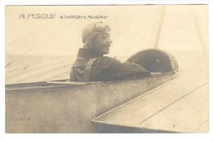 A. Pegoud d.tollKuhne Aoiatiker, Pilot in plane, 10-20s