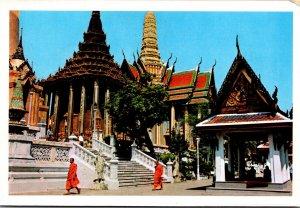 Thailand Bangkok Thai Priests At Entrance Of Wat Phra Keo
