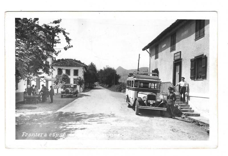 Spain Frontera Espanola Navarro Dancharinea Fonda Urdax  Bus Customs House