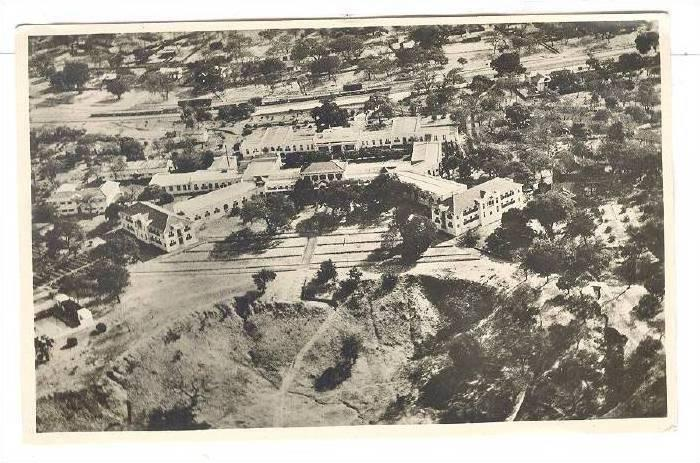 RP ; Hotel , Victoria Falls , Africa ; Zambia and Zimbabwe , 20-40s