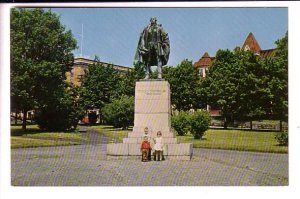 Monument Edward Cornwallis, Halifax Nova Scotia, Children