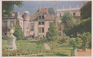 L'Entree et les Jardins, Pavillion Sevigne, Vichy, Allier, France, 10-20s