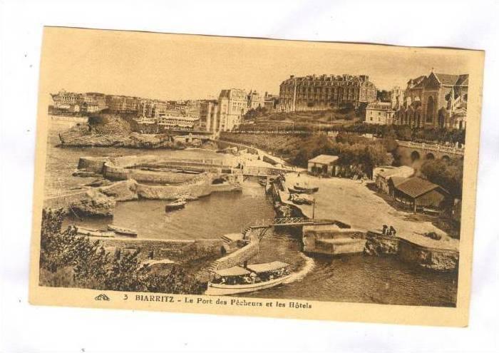 Boats, Le Port Des Pecheurs Et Les Hotels, Biarritz (Pyrénées-Atlantiques),...