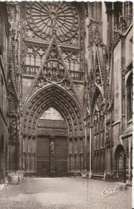 France Postcard - Rouen - The Cathedral - [The Booksellers' Court] - Ref G35