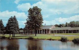 Rome New York~Beeches~Paul Revere Motor Lodge~Overlooking Pond & Grounds~1950s