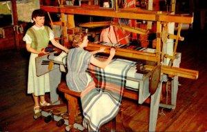 Kentucky Berea Hand Loom Weaving