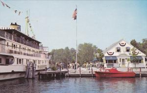 Bailey's Dockside Restaurant , Town Dock , WOLFEBORO , New Hampshire , 50-60s