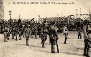 CPA Militaire, Les Fetes de la Victoire - Les Aviateurs (278440)