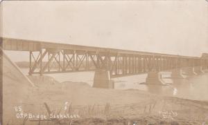 RP: C.P. Railroad Bridge , Saskatoon , Saskatchewan , Canada , PU-1911