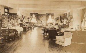 RP: NEW YORK CITY , 1940 ; English-Speaking Union, Members Lounge