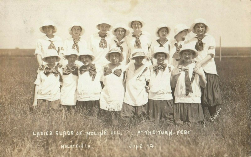 RP: HOLSTEN , Illinois, 1901-07 ; Ladies Class at the Turn-Fest