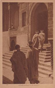 Arabes Entrant A La Mosquee, ALGER, Algeria, Africa, 1900-1910s
