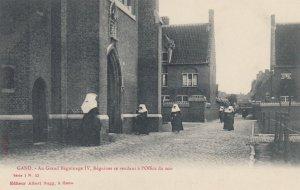 GAND , Belgium , 00-10s ; Au Grand Petit Beguinage IV : Nuns
