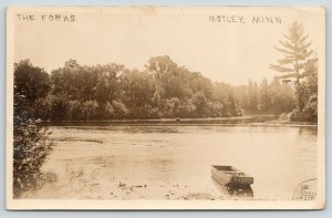 Motley MN Little Flat Boat Near The Forks Shell River? Crow Wing?~RPPC 1910 PC